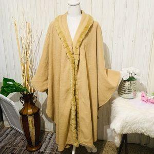 East 5th Long Fleece Beige Cape One Size